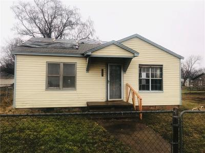 Single Family Home Sold: 208 S 2nd