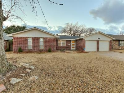Moore Single Family Home For Sale: 2109 Bellarie Drive