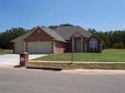 Blanchard OK Single Family Home Sold: $210,000