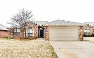 Moore Single Family Home For Sale: 2405 Port Rush Drive