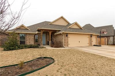 Moore Single Family Home For Sale: 3901 Acoma Drive