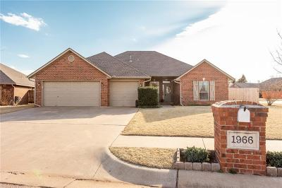 Single Family Home For Sale: 1966 Lariat Trail