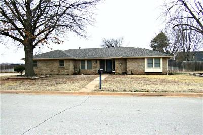 Single Family Home Sold: 814 Hickory Stick Drive