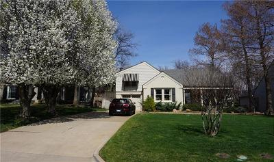 Nichols Hills Single Family Home For Sale: 1403 Sherwood Lane