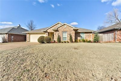 Edmond Single Family Home For Sale: 213 N Grand Fork Drive