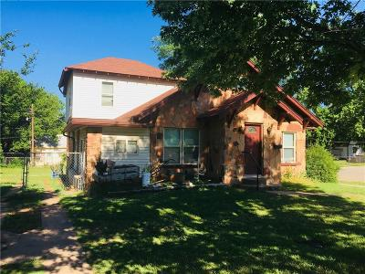 Guthrie Single Family Home For Sale: 101 S Capitol Street