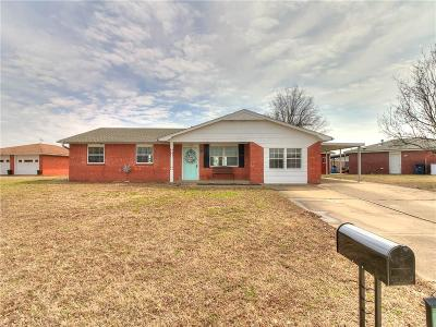 Stroud Single Family Home For Sale: 1038 Circle Drive