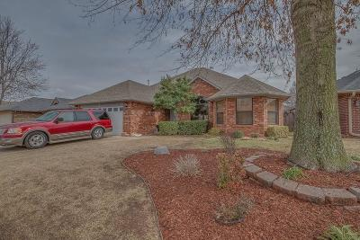 Oklahoma City Single Family Home For Sale: 8124 John Robert Drive