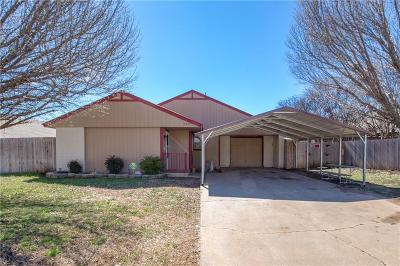 Moore OK Single Family Home For Sale: $109,500