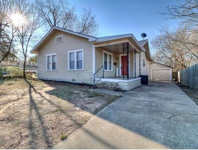 Shawnee Single Family Home For Sale: 115 E Burns Street