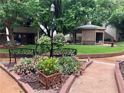 Oklahoma City Condo/Townhouse For Sale: 11130 N Stratford Drive #320