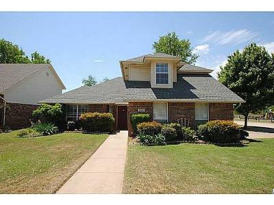 Norman Single Family Home For Sale: 916 Andrea Street