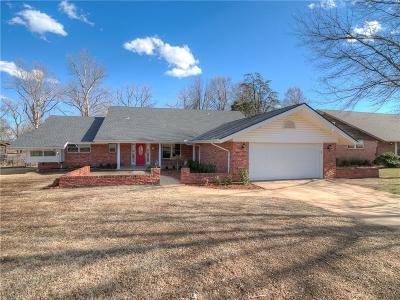 Norman Single Family Home For Sale: 2234 Ravenwood Lane
