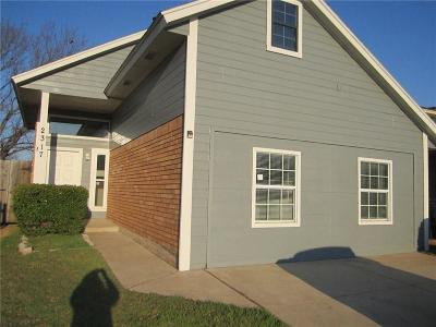 Moore OK Single Family Home For Sale: $100,000
