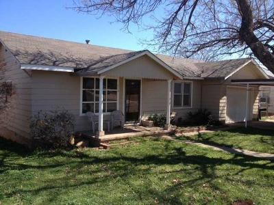 Blanchard Single Family Home For Sale: 712 N Van Buren Avenue