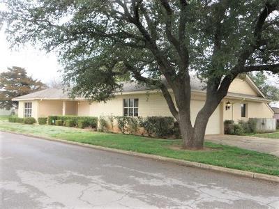 Anadarko Single Family Home For Sale: 905 SW 8th Street