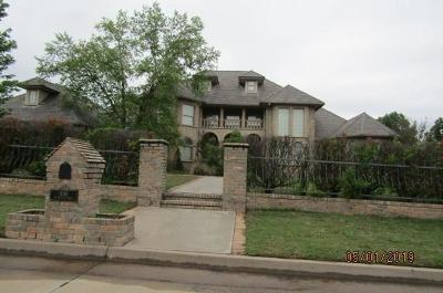 Shawnee Single Family Home For Sale: 1016 Muirfield Drive