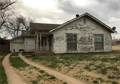 Elk City Single Family Home For Sale: 1022 W 2nd Street