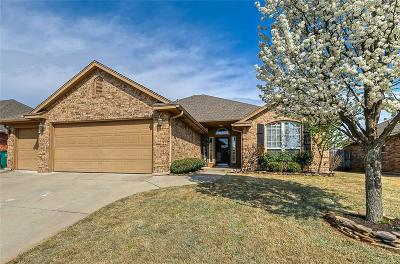 Moore Single Family Home For Sale: 9012 Crooked Creek Lane