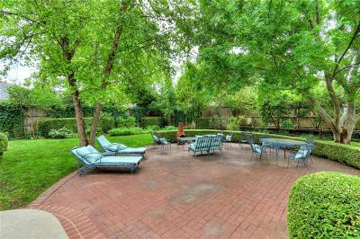 Nichols Hills Single Family Home For Sale: 1712 Dorchester Drive