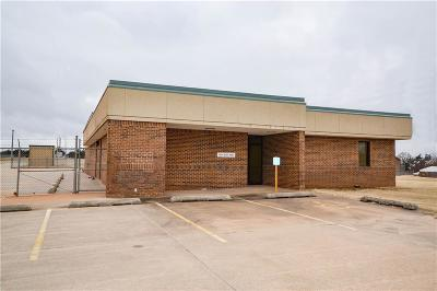 Commercial For Sale: 1701 E 1st Street