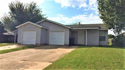 Moore Attached For Sale: 2728 SE 89th Terrace