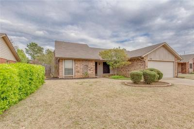 Norman Single Family Home For Sale: 1501 Peach Tree Lane
