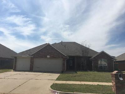 Canadian County, Oklahoma County Single Family Home For Sale: 17117 Gladstone Lane