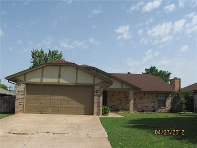 Edmond Single Family Home For Sale: 2805 Summerfield Drive