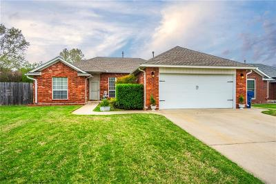 Harrah Single Family Home For Sale: 285 Woodlands Drive