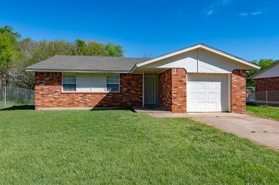 Noble Single Family Home For Sale: 607 Holsey Drive