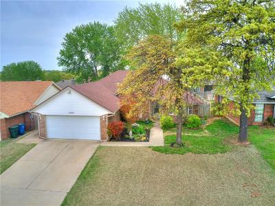 Midwest City Single Family Home For Sale: 1300 Nottoway Drive