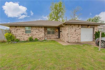 Edmond Single Family Home For Sale: 320 Gayclifee Terrace