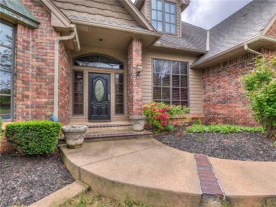 Edmond Single Family Home For Sale: 833 Crystal Creek Place