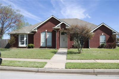Oklahoma City Single Family Home For Sale: 14009 S Broadway Avenue