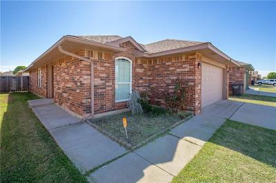Moore Single Family Home For Sale: 3512 W Liberty Drive