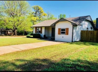 Purcell Single Family Home For Sale: 600 W Monroe Street