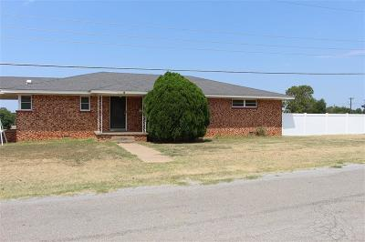 Mangum Single Family Home For Sale: 301 N Bryan Street