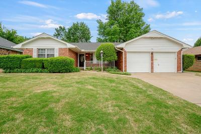 Midwest City Single Family Home For Sale: 728 Greenwood Drive