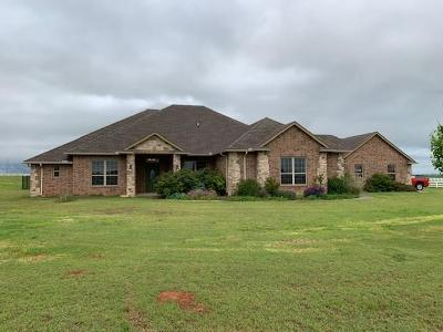 Clinton OK Single Family Home For Sale: $474,000