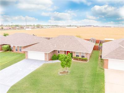 Altus Single Family Home For Sale: 1604 Sommerset Place