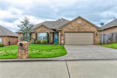 Choctaw OK Single Family Home Pending: $174,900