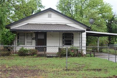 Anadarko Single Family Home For Sale: 614 E Virginia Avenue