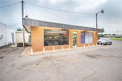 Beckham County Commercial For Sale: 319 E 3rd Street