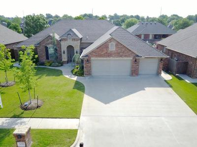 Norman Single Family Home For Sale: 1009 Corbett Drive