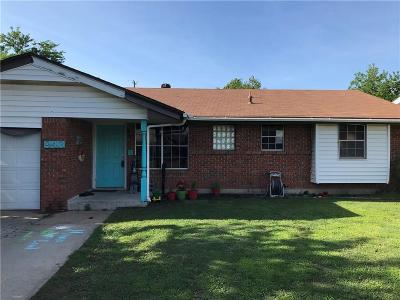 Moore Single Family Home For Sale: 943 NW 2nd Street