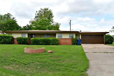 Chickasha Single Family Home For Sale: 8 Highland Drive