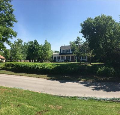 Anadarko Single Family Home For Sale: 902 W Central Boulevard