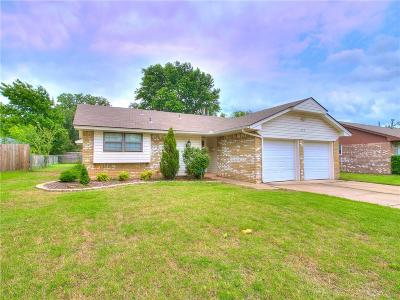 Norman Single Family Home For Sale: 315 Overton Drive