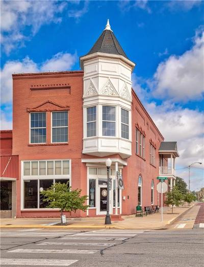 Beckham County Commercial For Sale: 201 W Broadway Street